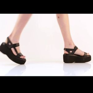 a76aa179e67b Vagabond Shoes - Vagabond Alexis Platform Sandals