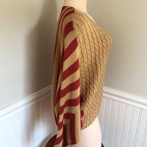 Beautiful striped sweater. B028