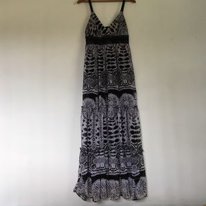 Alyn Paige Dresses & Skirts - Black & white dress