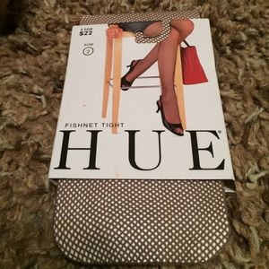 HUE Accessories - Nude Fishnet Tights