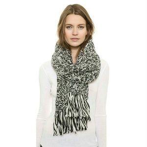 Zara Accessories - Wool scarf, oversized