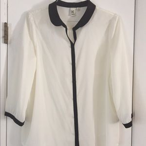 14th & Union Tops - NWT 14th & Union white blouse with black trim