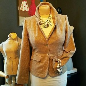 New with tags Golden fitted blazer med