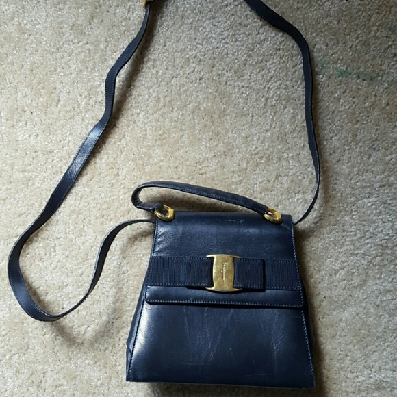 d7dd1350b 🌟Sale🌟Vintage Ferragamo crossbody purse. M_58028890b4188ec4cd06369a