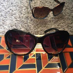 Accessories - Oversized Black & Silver Sunglasses