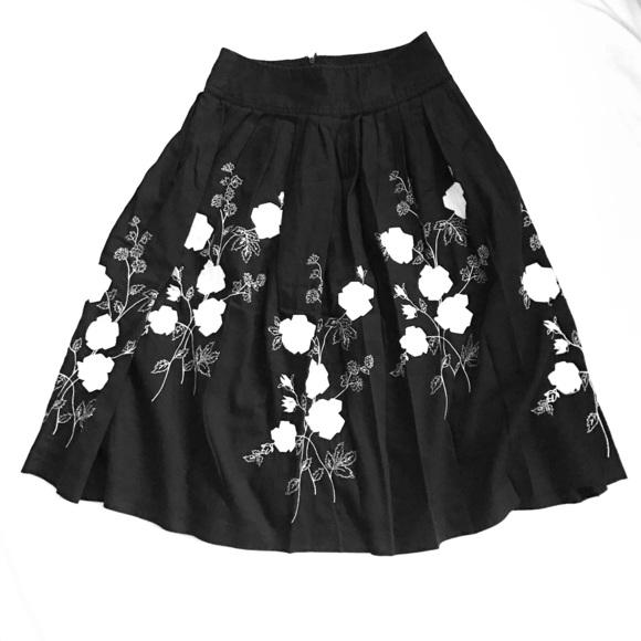 Willi Smith Skirts | Black Skirt With White Flowers | Poshmark