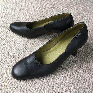 Camper Shoes - Camper black leather pumps