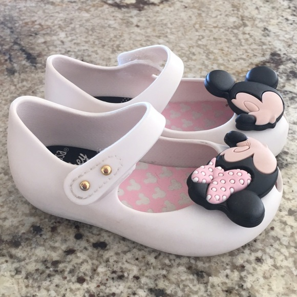 e97368eaf388 Mickey Mouse Converse For Toddlers