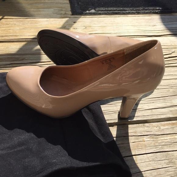 8e7d3faa7b Jaclyn Smith Shoes - Jaclyn Smith Women's Tori High-Heel Pump