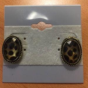 Jewelry - New Animal Print Stud Earrings