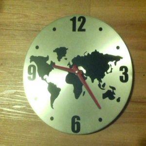 Modern aluminum world map wall clock