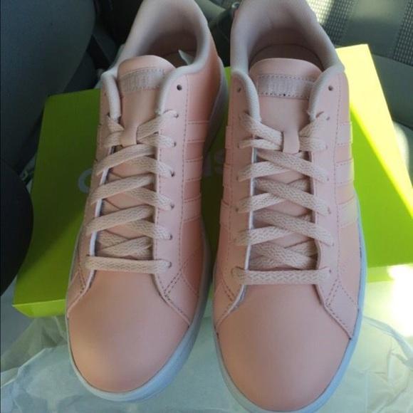 le adidas rosa basale neo poshmark