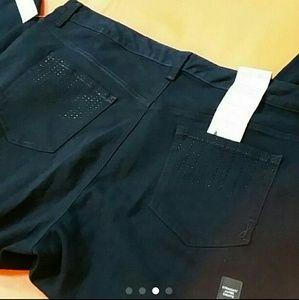 b2e16374f8fc5 Jones New York Jeans - NWT Plus Size Jones New York Jeans Sz. 22W