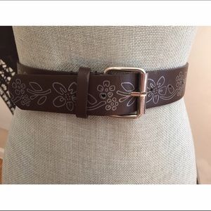 🌼Cute, Brown Belt with White Flower Pattern-EUC🌼