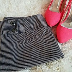 Pants - 🌱🌹Pinstripe Capri Dress Pant
