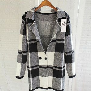 Jackets & Blazers - Black as white plaid knitted jacket