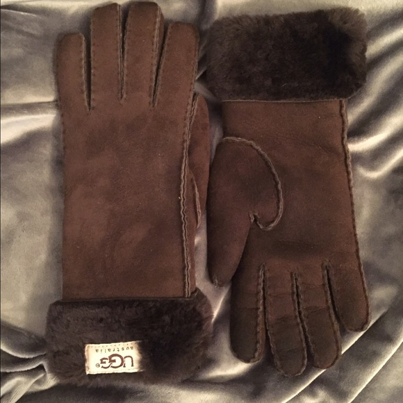 cdf329f89b5 UGG Classic Turn Cuff Gloves - Chocolate