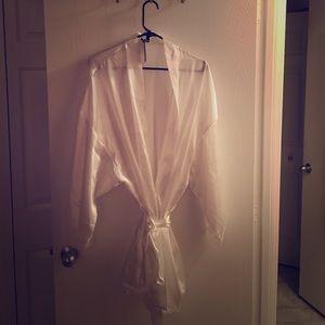 NWT Torrid robe