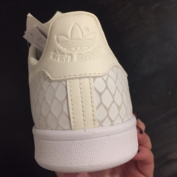 adidas stan smith women white navy adidas nmd xr1 women s white cardigan