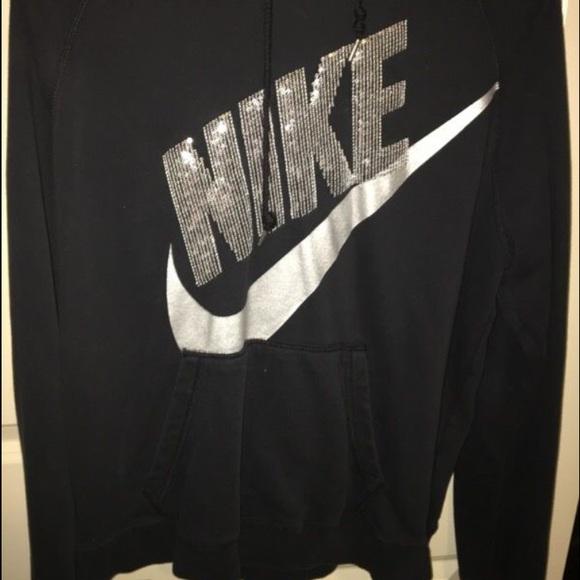 b1c5d325fe5b Nike sequin sweatshirt. M 58031439f092824d7407e6dd