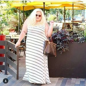 Dresses & Skirts - Plus size maxi dress