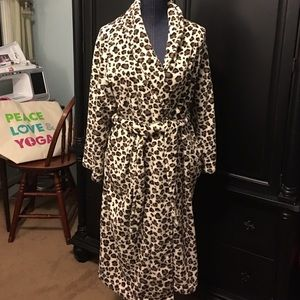 Capelli of New York Other - ❤️️Leopard Robe❤️