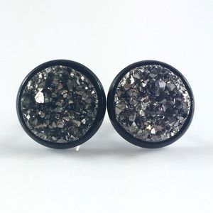 thejeweladdict Jewelry - 3 for 15🎀chunky grey faux Druzy black studs