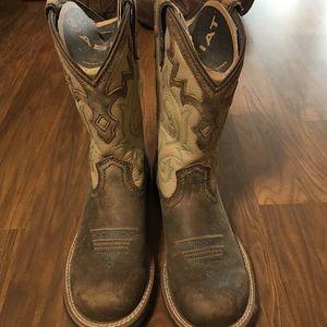 Arian boots NEVER WORN