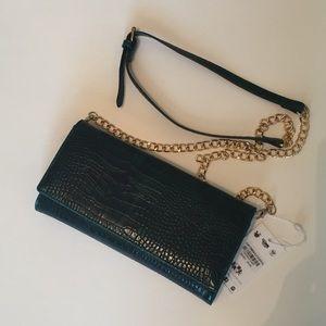 Urban Expressions Handbags - 🆕 Hunter green faux croc purse