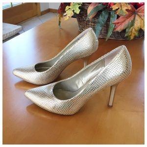 Bandolino Shoes - Bandolino Faux Snakeskin Heels