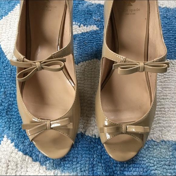 kate spade Shoes - Kate Spade Light Camel Patent Heels - worn twice!