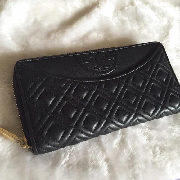 cd7f4e44e1 Tory Burch Handbags - $75 on♏ ❗️Tory Burch Fleming continental wallet