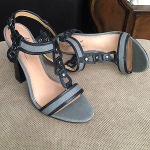 🎉HP🎉Mark + James Badgley Mischka Blackgray heels