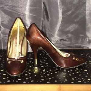 Delicious Shoes - Brown w/gold detail stilettos