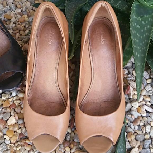 6d31e7422cf Clarks Shoes - 2 pairs Clarks Artisan Florin Portis
