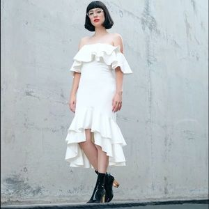 Fame and partners Dresses & Skirts - Fame and partners white midi dress with ruffles