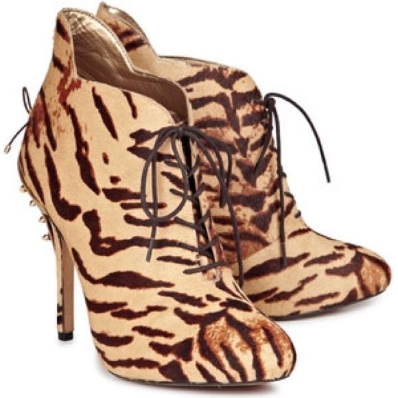 a033d88b042ae7 Sam edelman Elsa tiger fur print bootie. M 5803d296f09282f7d3098d4e