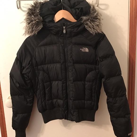 The North Face 550 Jacket with Fur. M 5803d894ea3f361b1b01237b bd1a84e10