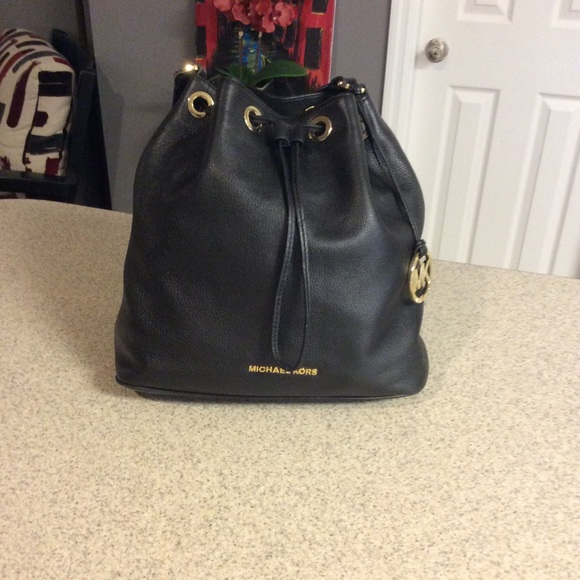 251acf704d07 Michael Kors Large Black Jules Bag. M_58074848b4188e583a020a5d