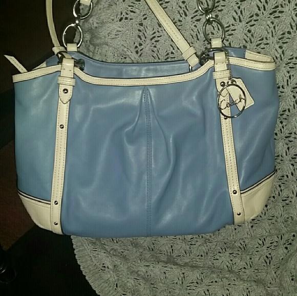 1b4dbfe2a5 Coach Handbags - Coach Alexandria Chain Tote Bag