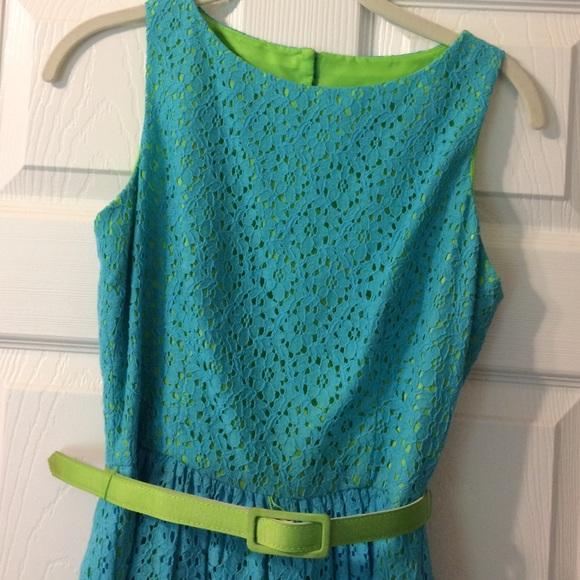 Eliza J Dresses & Skirts - Eliza J size 4p dress, blue lace over lime green