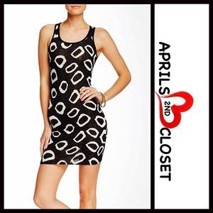 American Twist Dresses & Skirts - ❗️1-HOUR SALE❗️Printed MINI DRESS Bodycon Slip