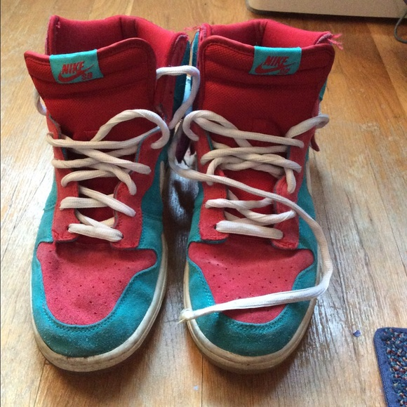 best service eea73 277e0 Nike SB Dunk High 'Bazooka Joe'