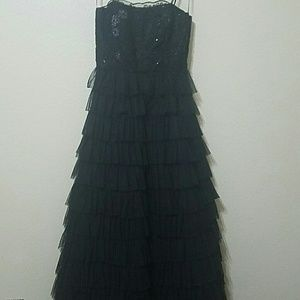 Dresses & Skirts - Billowing black ball gown with sequins and tulle