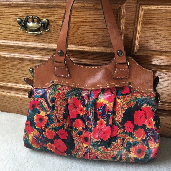 Floral Patricia Nash Italian leather purse. M 5803f1924225bef0cd017722