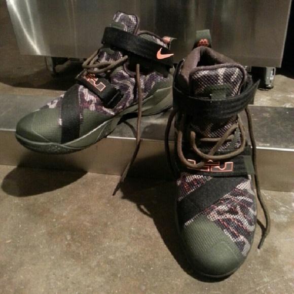 0959995b295 Nike Zoom LeBron Soldier 9 Premium. M 5803f91b620ff709ac0187c9