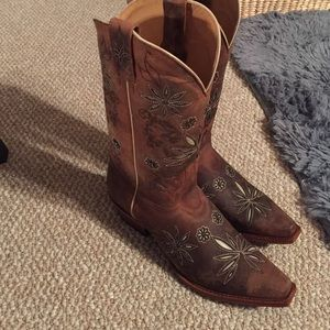 shyanne Shoes - brand-new cowboy boots. Never worn.