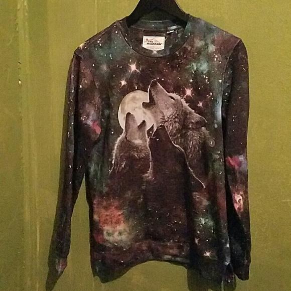 1146ab8a418939 Howling Wolf Night Sky Sweatshirt Men s S Womens M