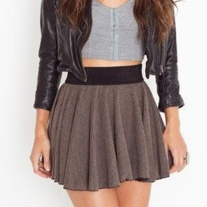 NWOT Nasty Gal Ark & Co. Pleated Skirt Mocha/Black