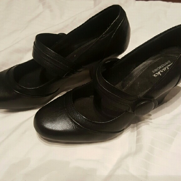 81 Off Clarks Shoes Clark S Bendables Mary Jane With